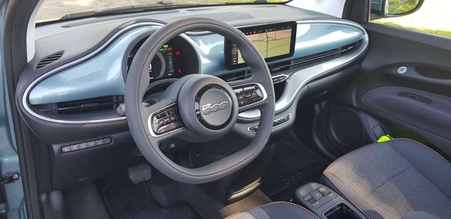 Fiat 500 elettrica Cabrio interni