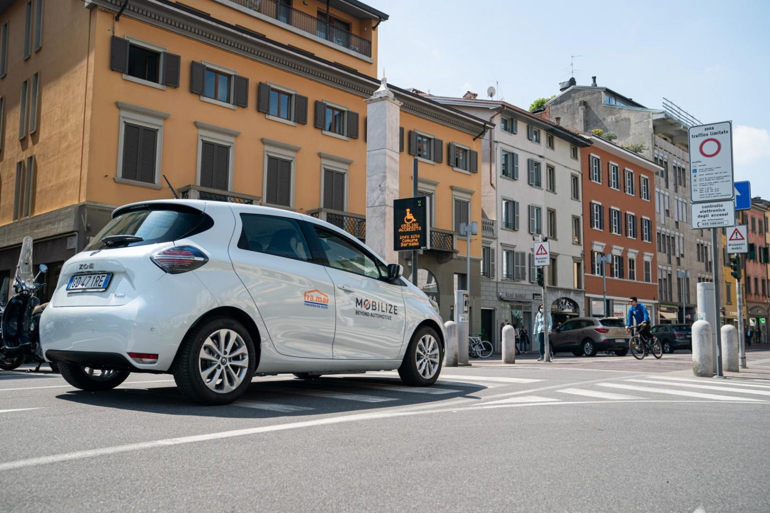 Mobilize renault zoe electric