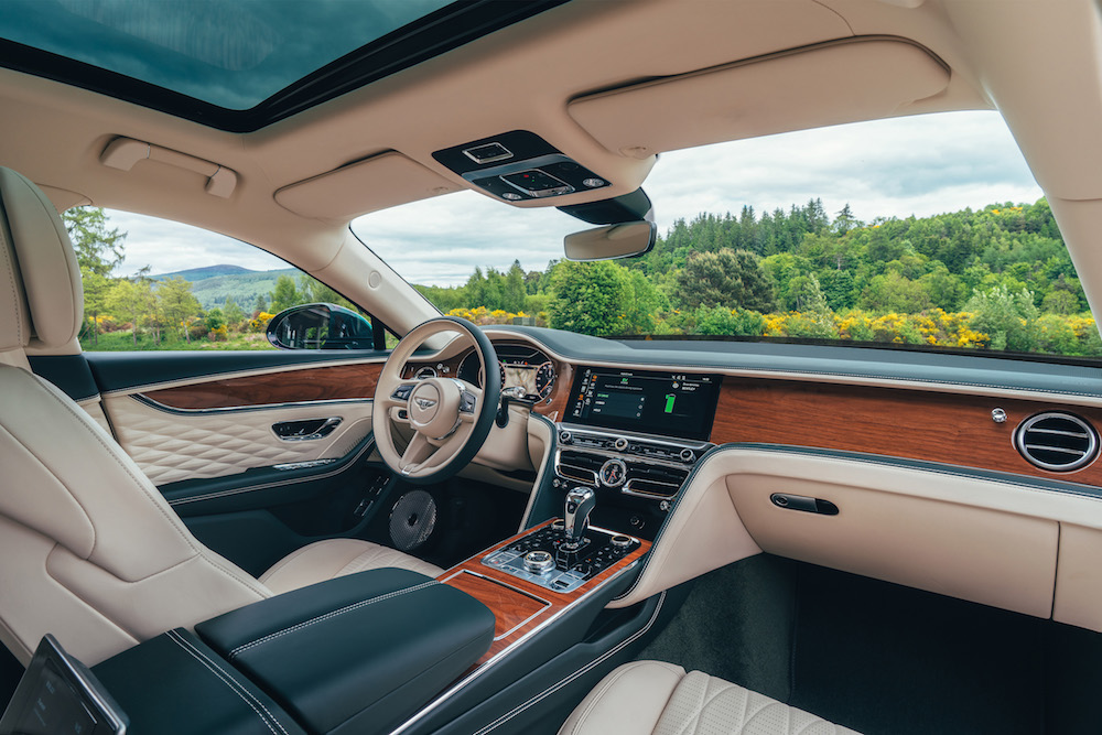 Bentley Flying Spur Hybrid interni