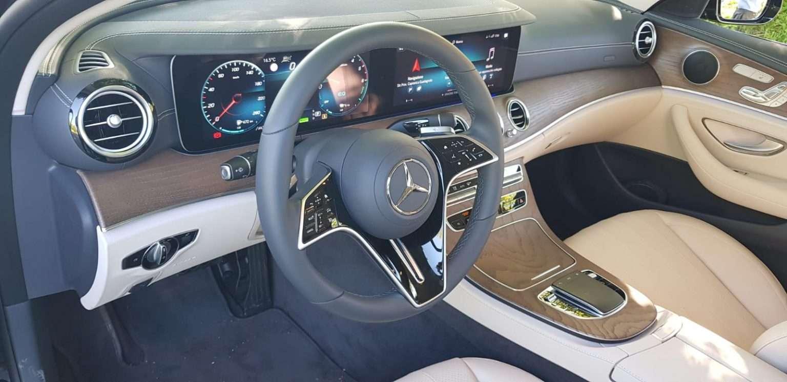 Mercedes Classe E 300de interni